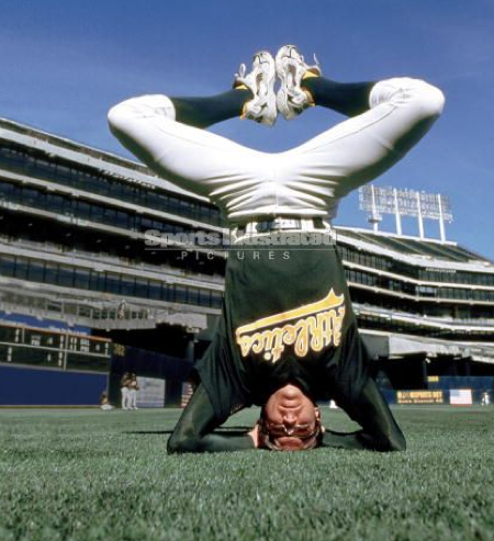 Barry Zito in Headstand